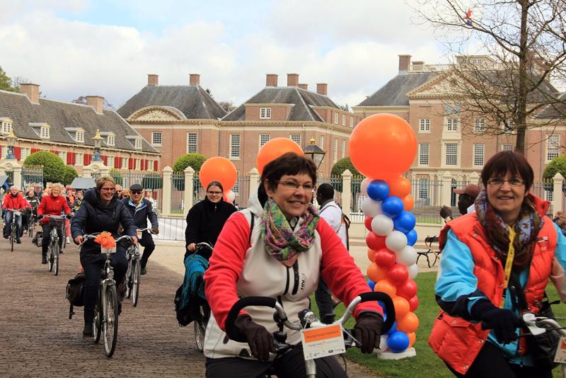 Oranjeroute fietsen
