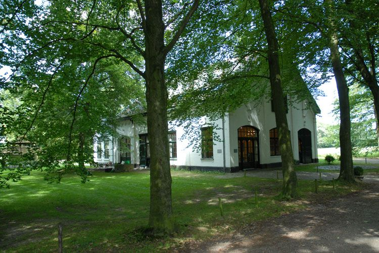 Koetshuis Anneville in Ulvenhout