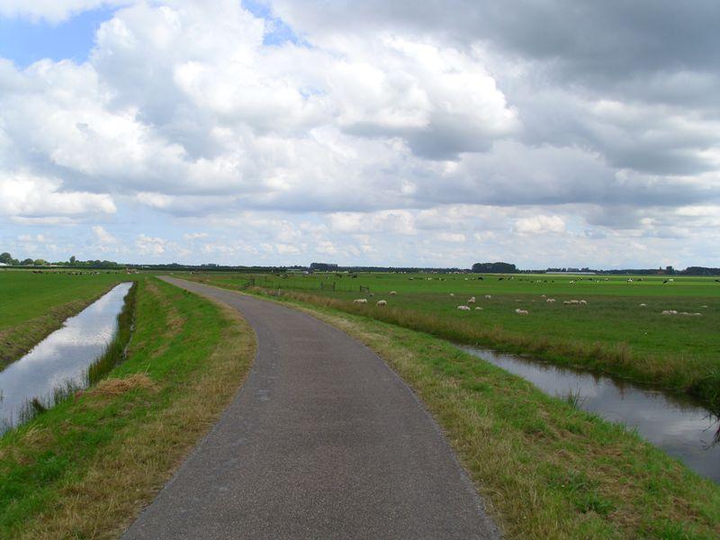 Foto 1: Poldermolenroute vanuit Hoogwoud