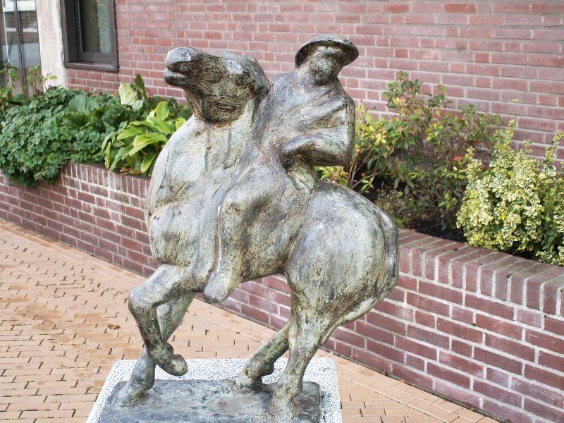 henny zandjans-paard en ruiter-brons