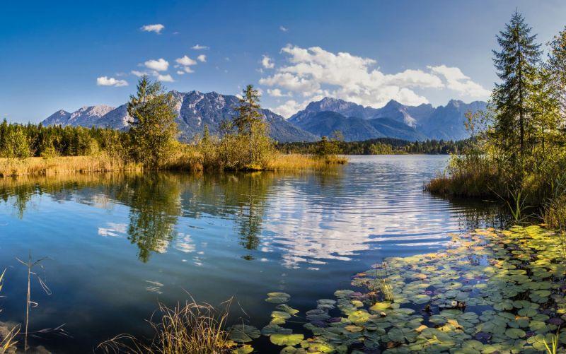 Alpenwelt Karwendel - Spiegelnder Barmsee_4598