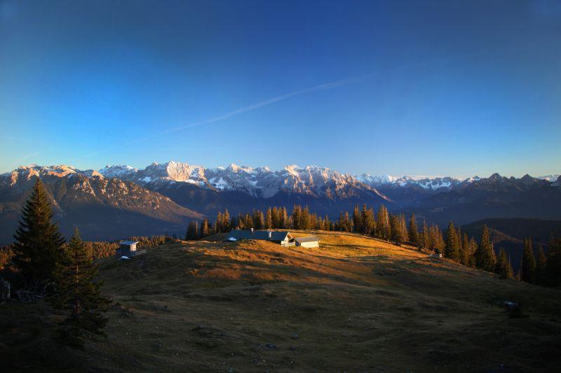 Alpenwelt Karwendel - Krüner Alm im Licht_4588