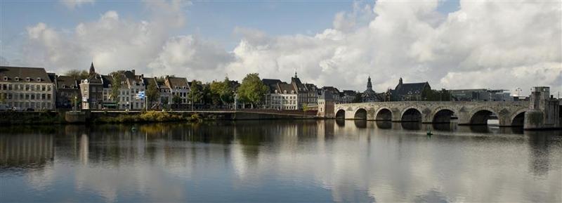 Langs de Maas bij Maastricht