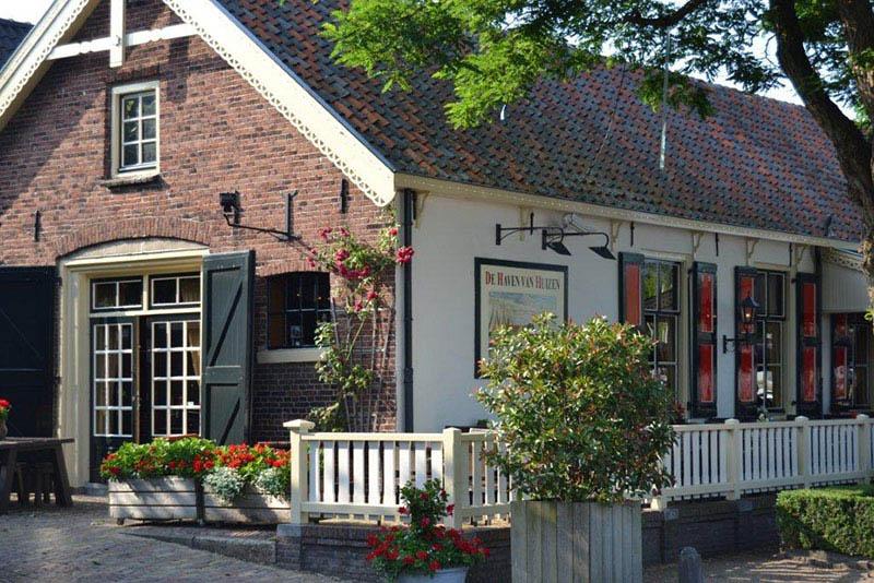 Haven Van Huizen : Fietscafe de haven van huizen in huizen noord holland