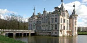 http://fietsknooppunt.routeplanner.nl/html/PictureBase/Kasteel-van-Poeke.jpg