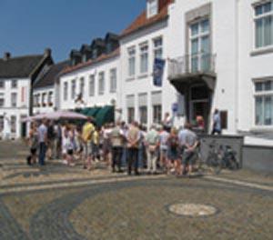 http://fietsknooppunt.routeplanner.nl/html/PictureBase/vvvidee/Zomerwandeling-gids-Thorn-maasgouw-1.JPG