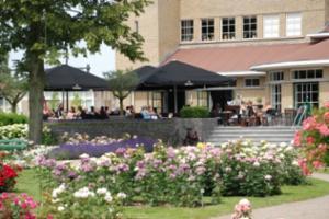 Grand Café Roos Eten & Drinken