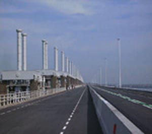 http://fietsknooppunt.routeplanner.nl/html/PictureBase/vvvidee/oostescheldekering.jpg