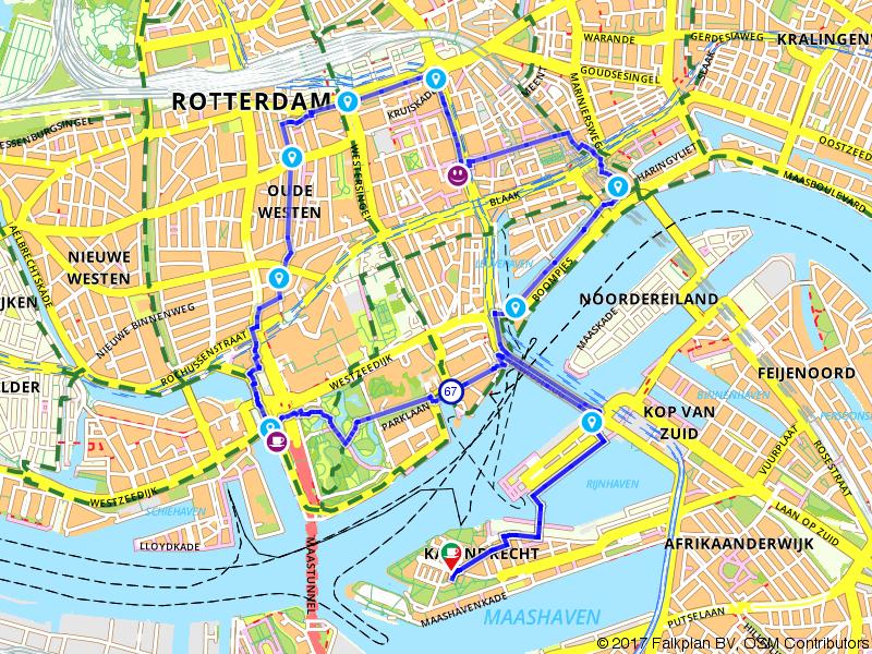 Wandelen langs het water in Rotterdam