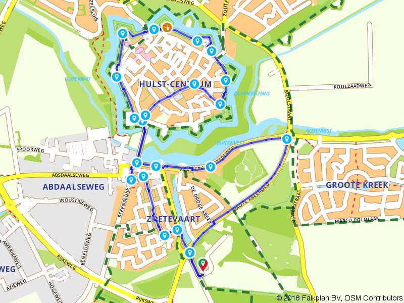 Wandelen over de stadswallen van Hulst